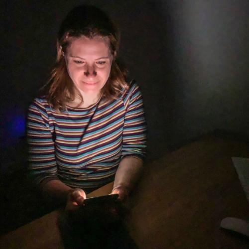 Tik am Tibarg > Marei Schachschneider nachts am Handy > Hacks > Der Gesundheitsstern: Schlaf > 500x500